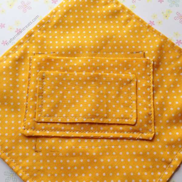 Attaching the pockets to the lining crochet envelope bag - free tutorial crafternoontreats.com