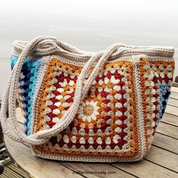 Giant seaside retro granny stash bag