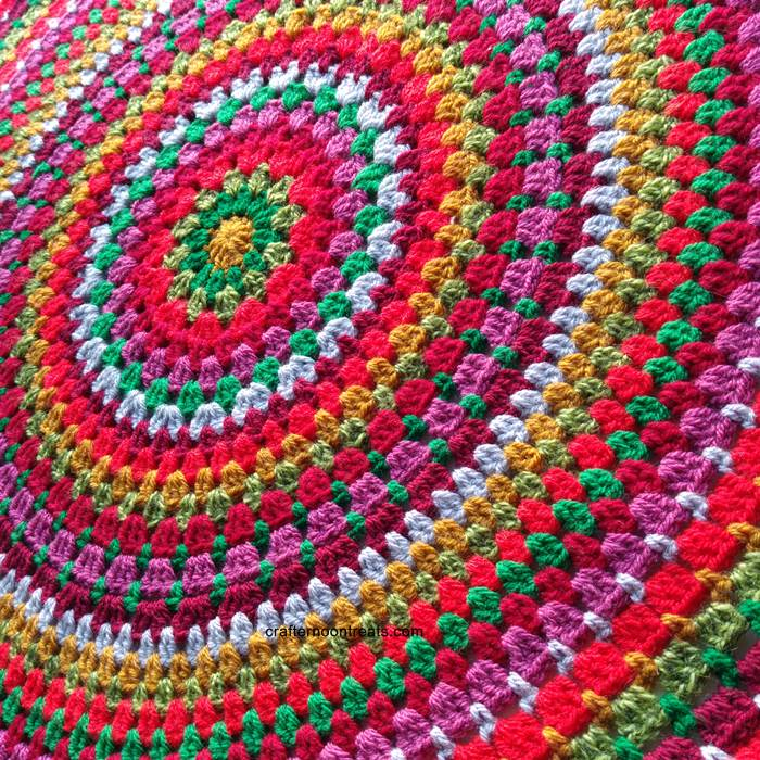 Mega granny mandala pattern on Craftsy 2